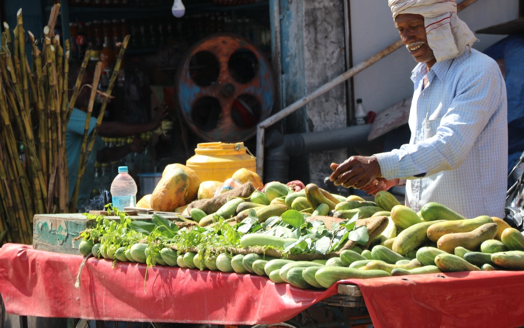 farmers markets in india- young mountain tea