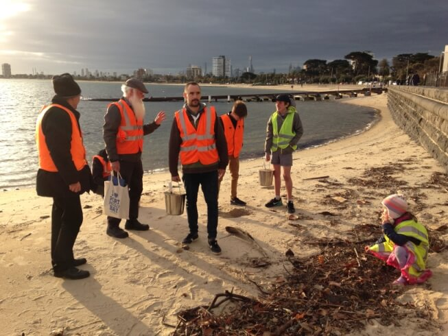 Neil the Baykeeper leads Citizen Science on the Beach.