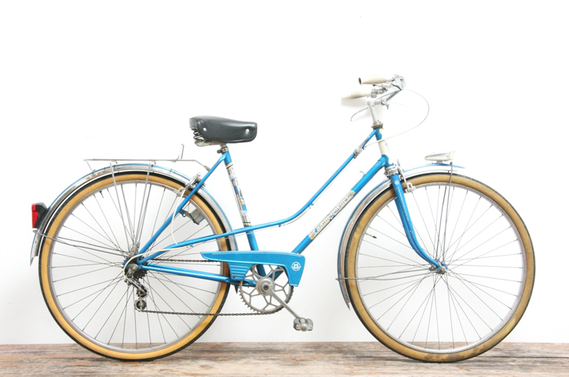 Motoconfort Ladies Vintage Town Bike - Classic French City Bike