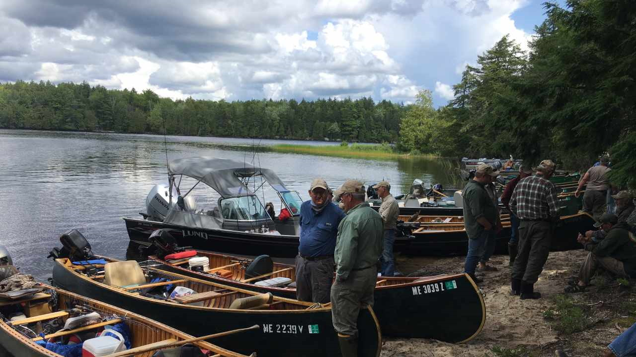 Fishing Guides & Canoes