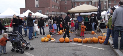 Pumpkin Smash at the Portsmouth Farmers Market