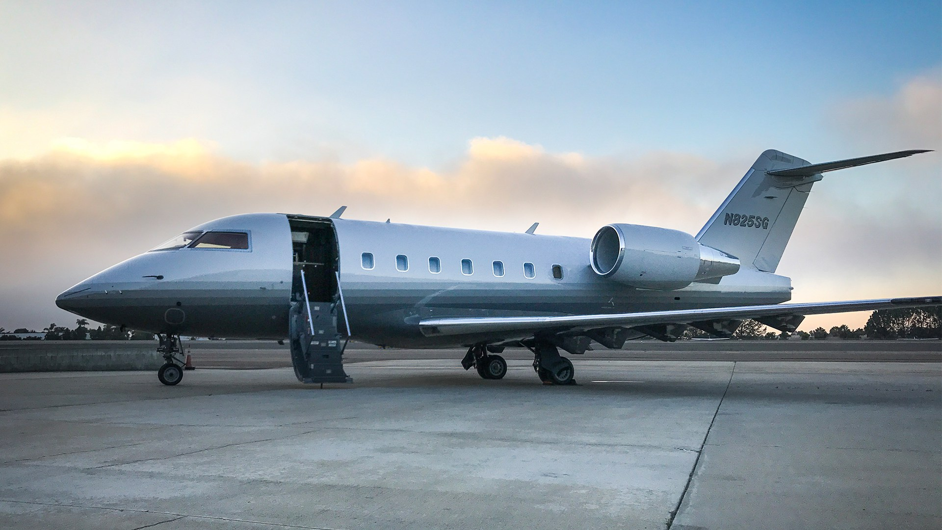 The Challenger 601 used for this flight
