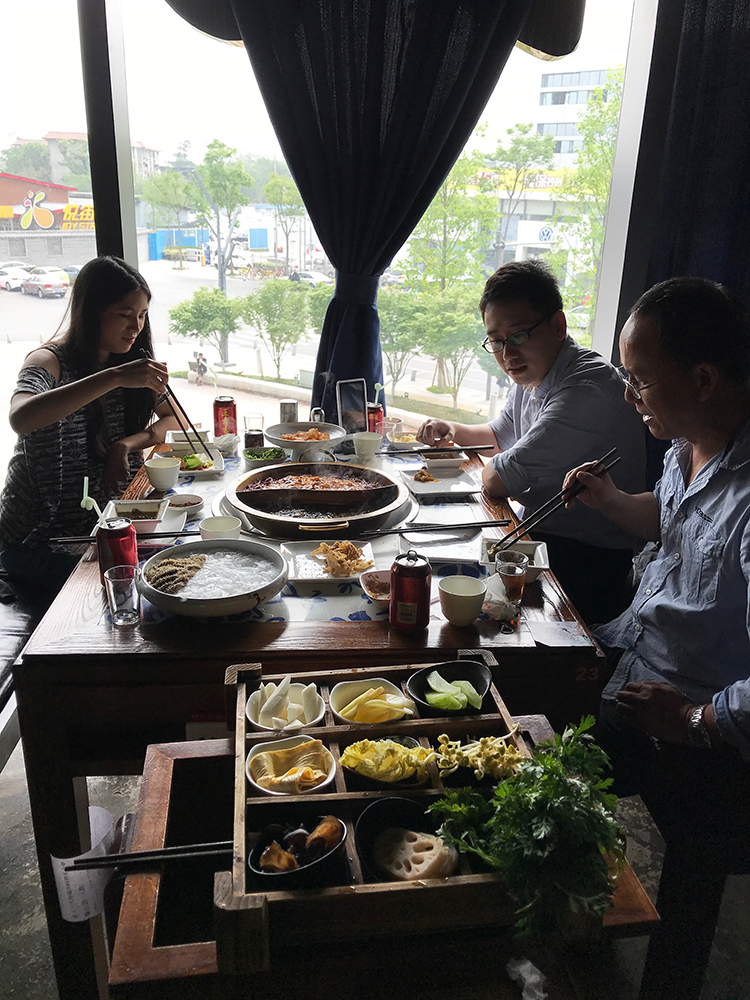 Hot pot business lunch in Chengdu
