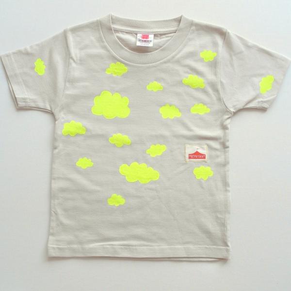 雲のTシャツ