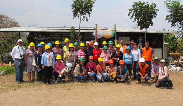 Participantes del taller sobre cosecha de aguas lluvias