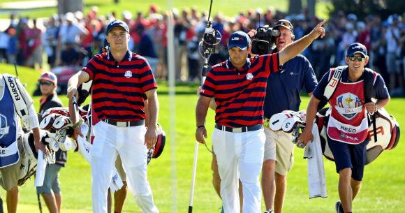 2 x Golfers