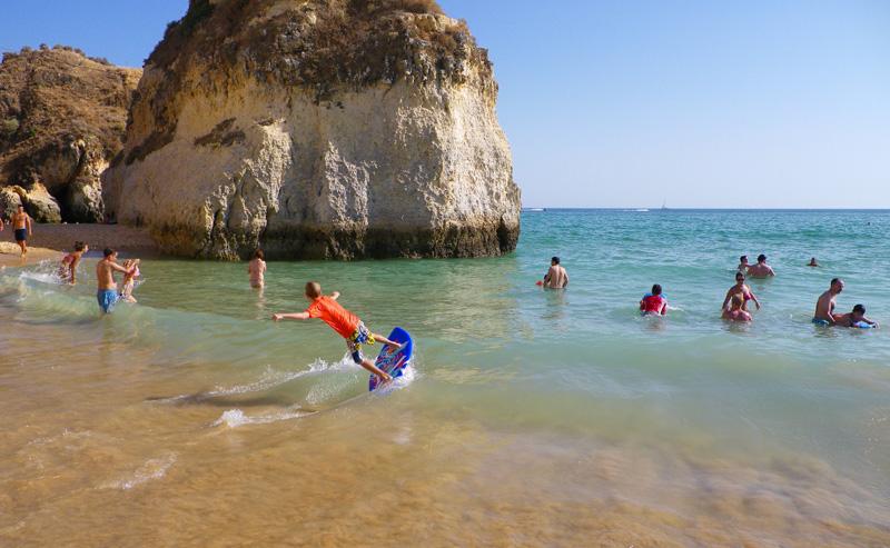 Quer ir de férias sem preocupações? Faça estas coisas já!