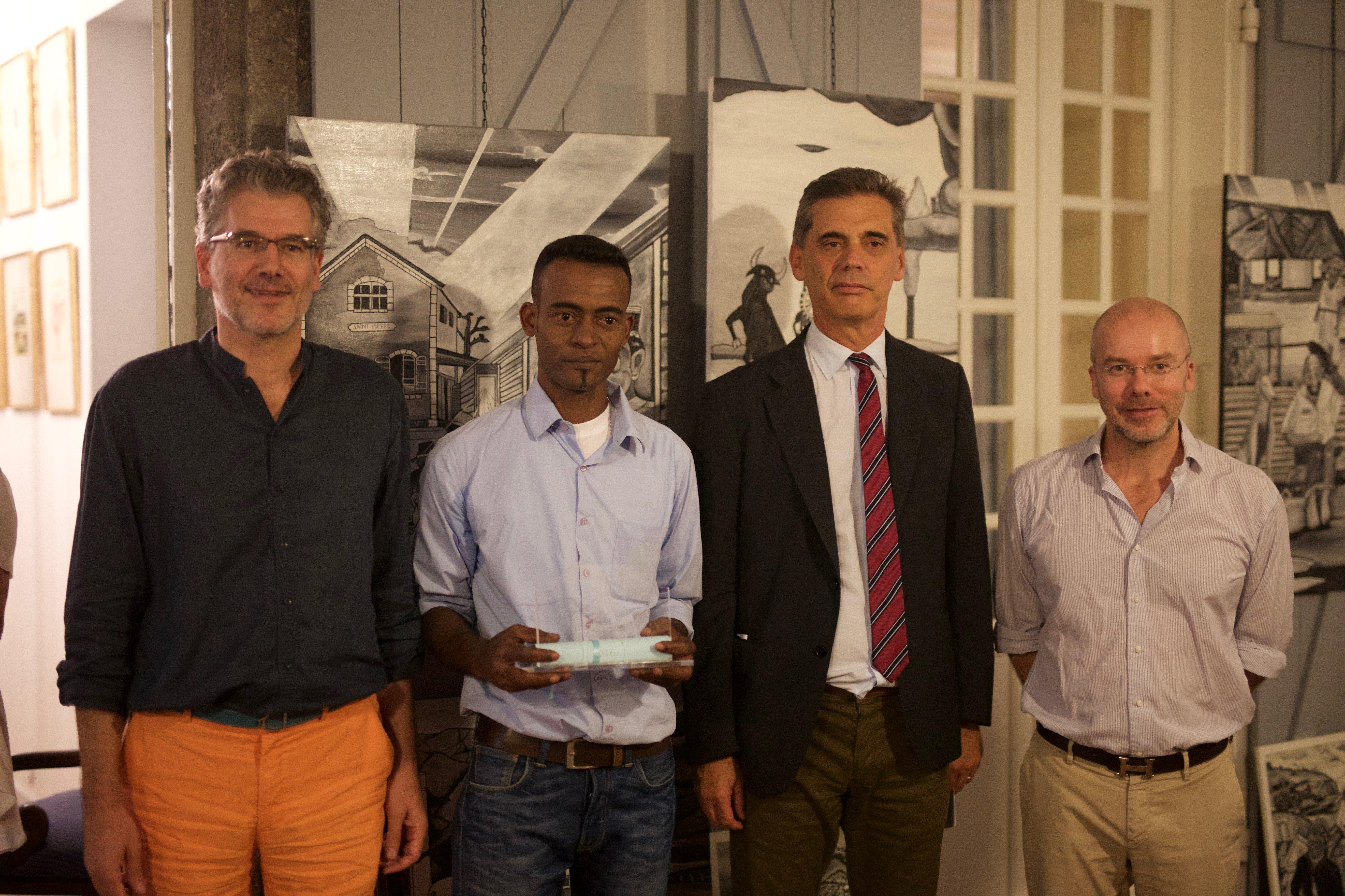 De gauche à droite, Louis FAGNIEZ, Rivelino MAMMOSA, M. Dominique SORAIN, M.Marin RIVIERE