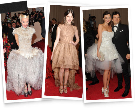 Daphne Guinness in Alexander McQueen, Hailee Steinfeld and Miranda Kerr wearing Nicholas Kirkwood shoes.
