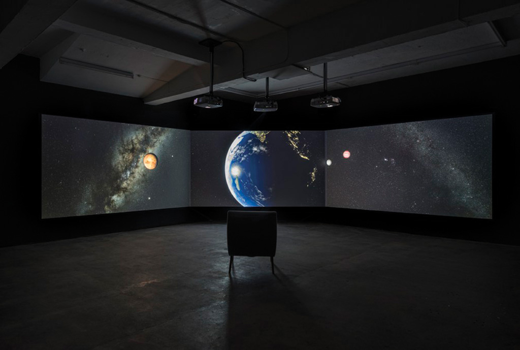 David Blandy: The End of the World (2017). Image courtesy of Seventeen Gallery.