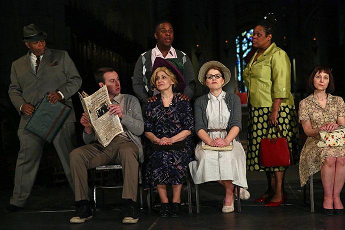 Compagnia de' Colombari production on stage