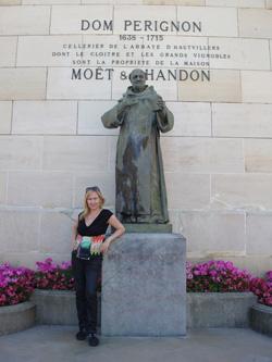 Standbeeld van Dom Perignon