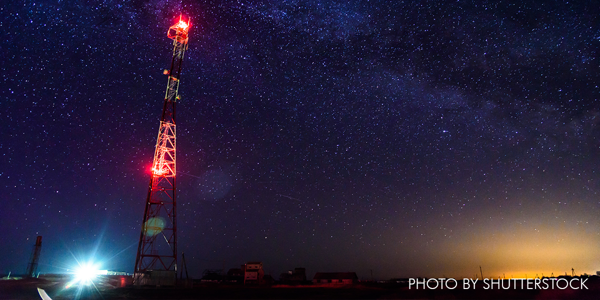 Adjusting Communication Tower Lighting Reduces Migratory Bird Collisions