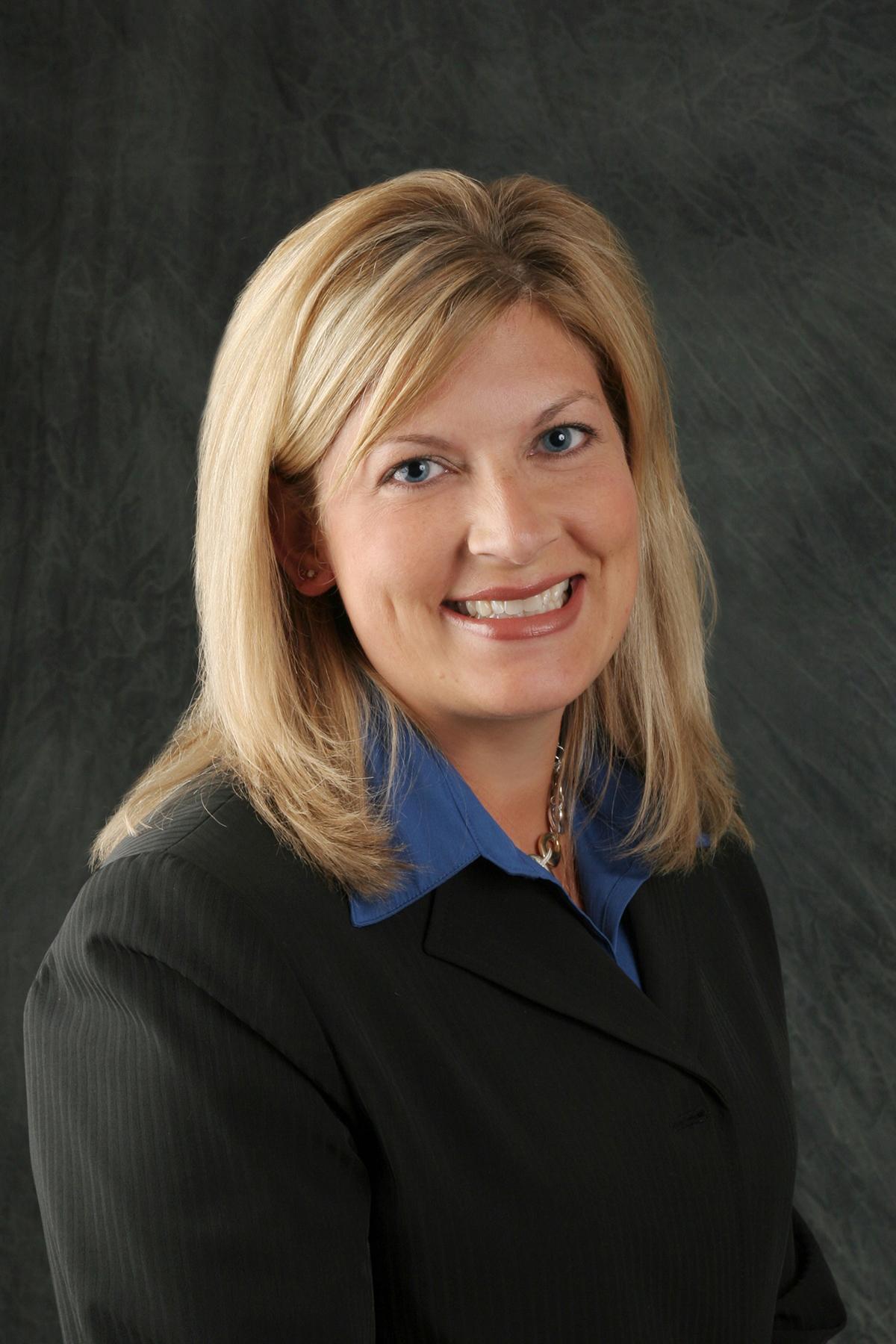 Theresa Lehman headshot