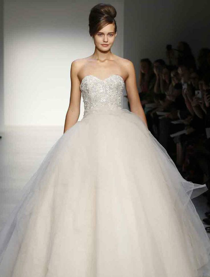 Kenneth Pool Olympia K431 Wedding Dress