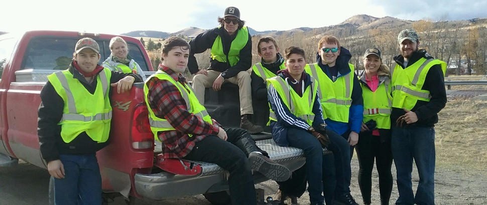 ASCE Students cleanup a two-mile stretch of interstate 15