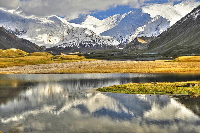 Mountains as sentinels of change (Photo: keltikee via Flickr)