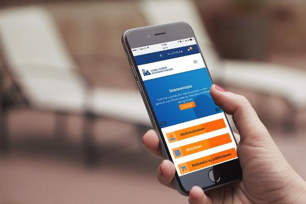 NIRF med nye nettsider. Bildet viser mobilversjonen