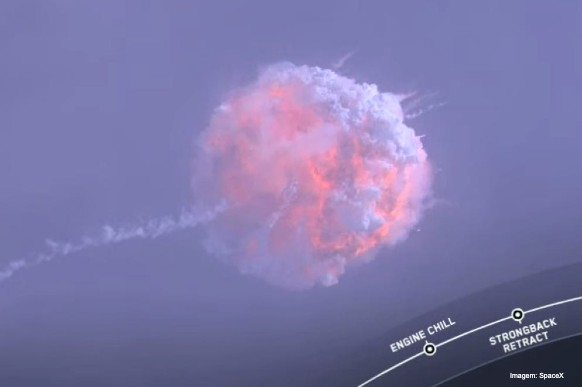 SpaceX simula acidente com foguete para testar segurança