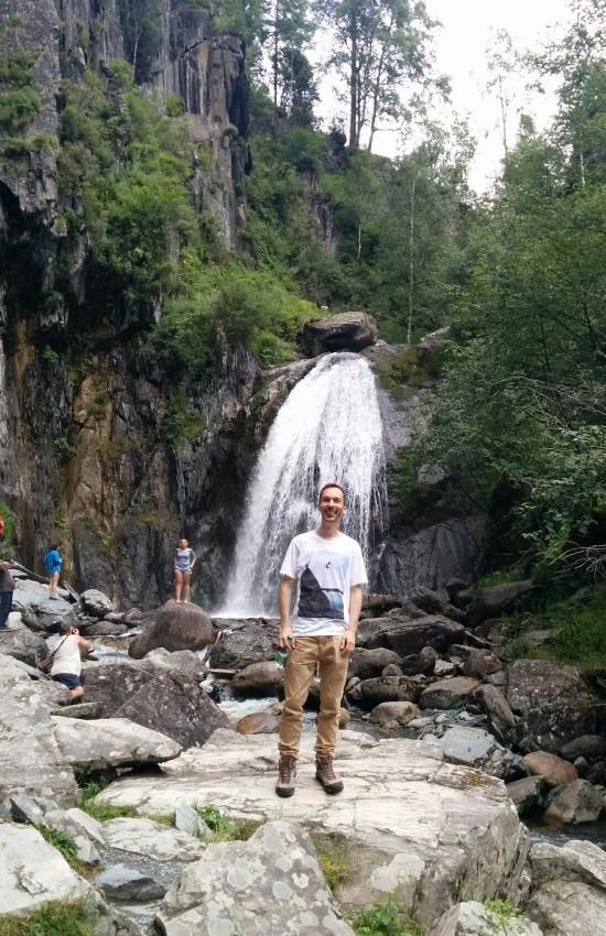 Simic at the Korbu Waterfall