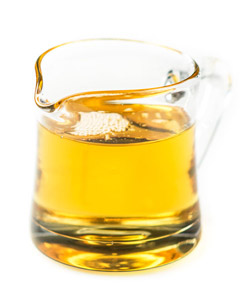 Macadamian oil