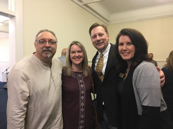 Vic & Nunsy Cameron with Chris & Lisa
