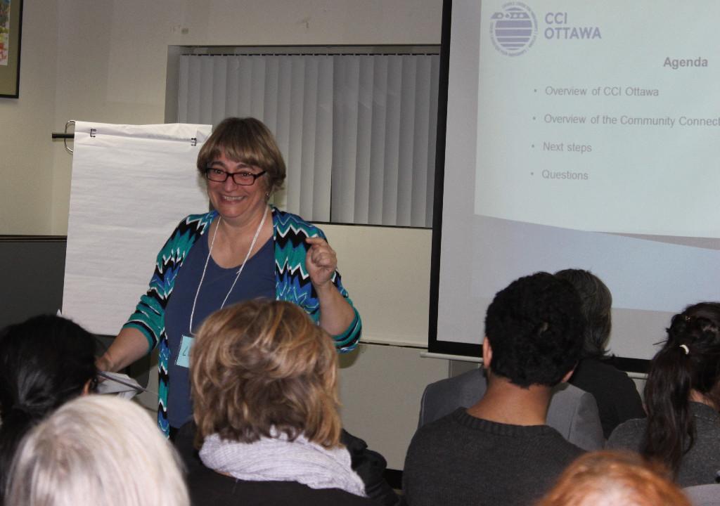 Lucila Spigelblatt presenting at volunteer information session