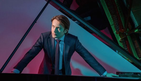 Trifonov performs Rachmaninoff