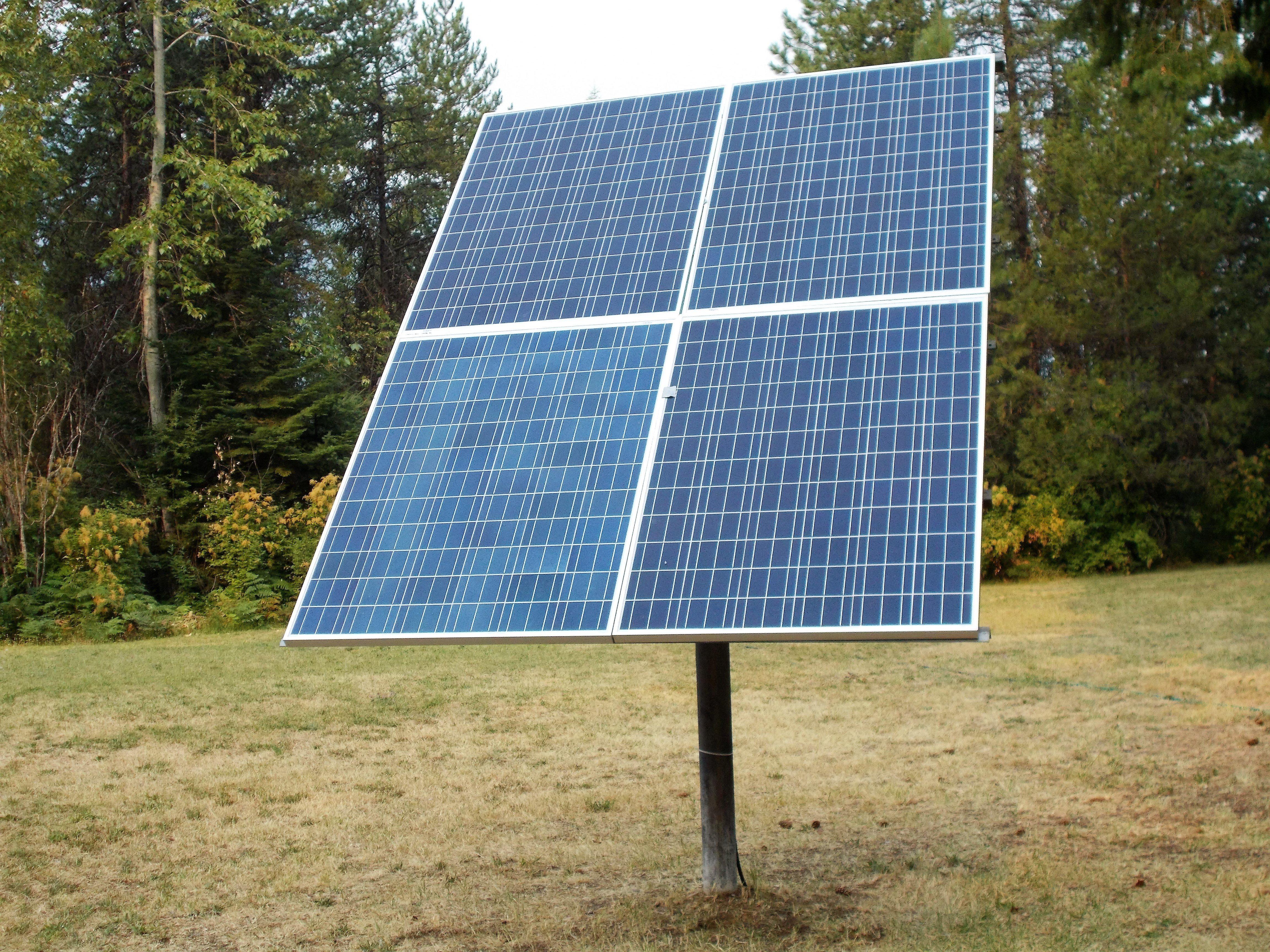 Backwoods Solar Modules on Post Mount