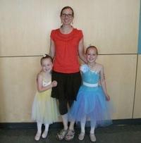 Jana with her children