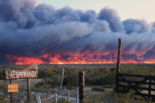 Fire in La Esperanza. © José Maria Musmeci