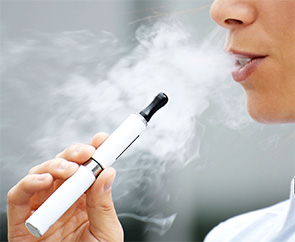 US health watchdog to take legal action against e-cigarette makers