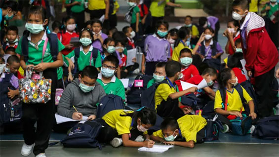 Students wear masks