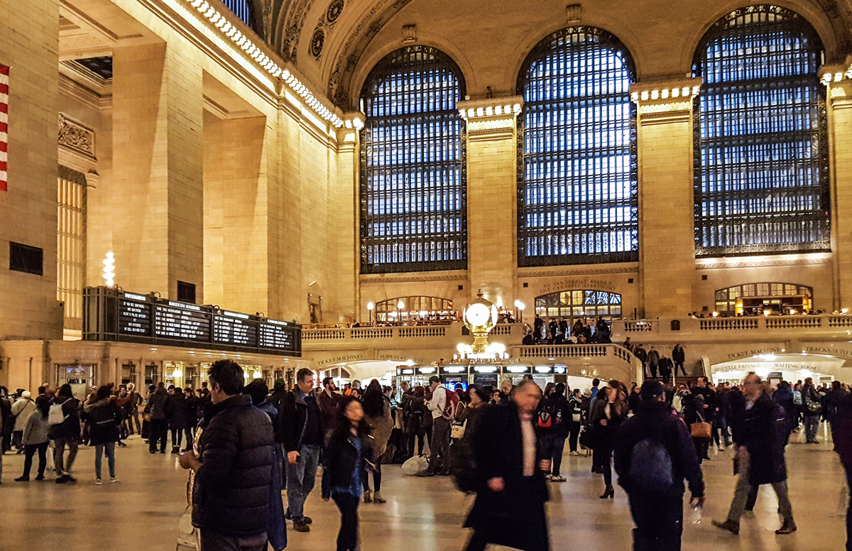 Grand central station crowd