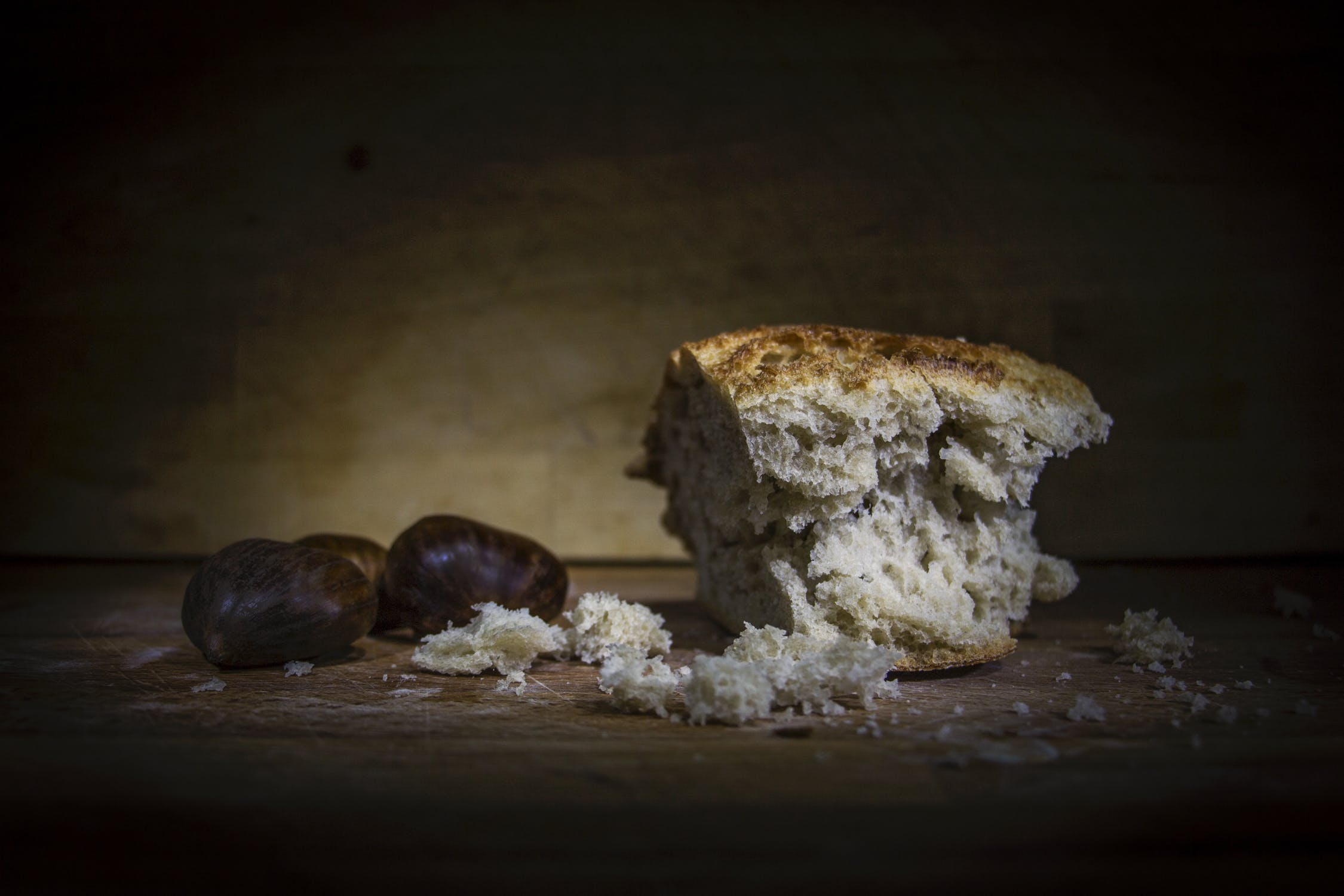 Photograph of bread from a bakery.