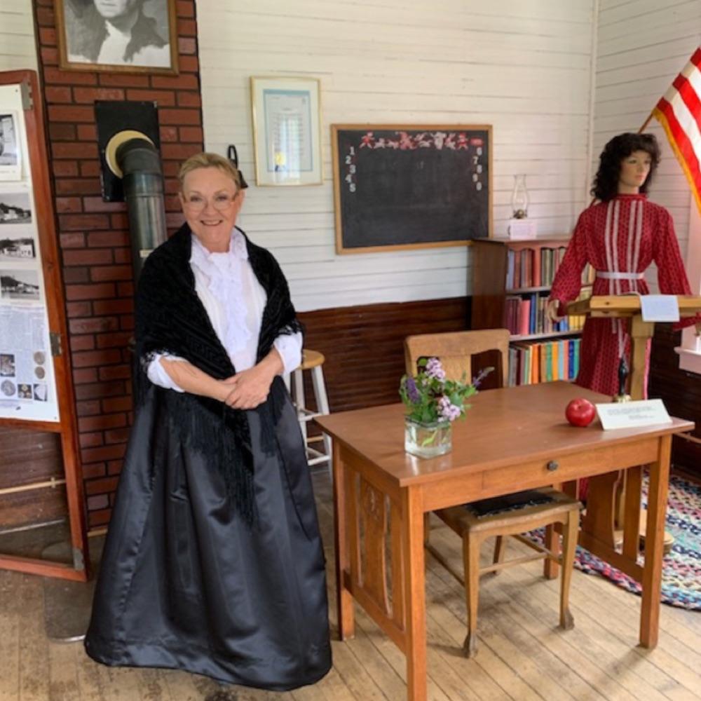 Becky Gray hosts the Shawnee School