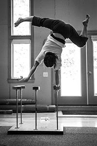 Valerie Doucet - Handstand Artist