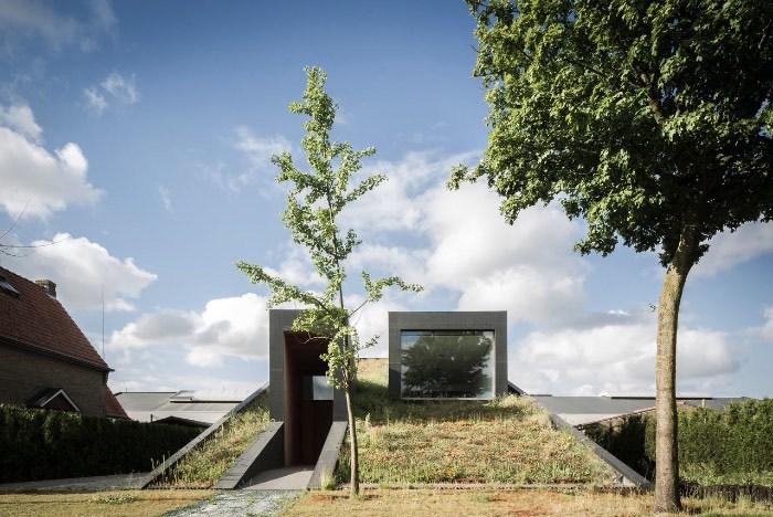 Uma residência quase subterrânea com o foco na sustentabilidade