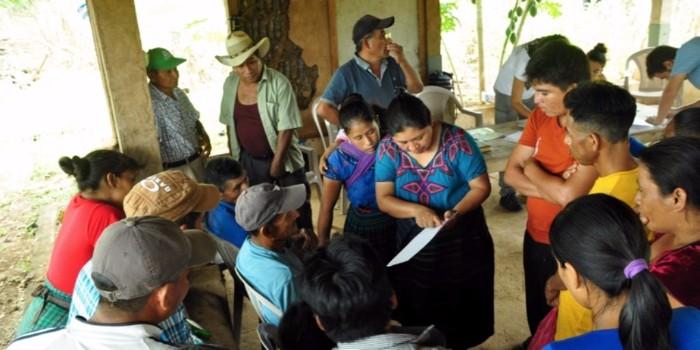 Preparativos para la construcción de nuevas viviendas en Guatemala