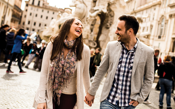 image of a couple enjoying a vacation in Rome