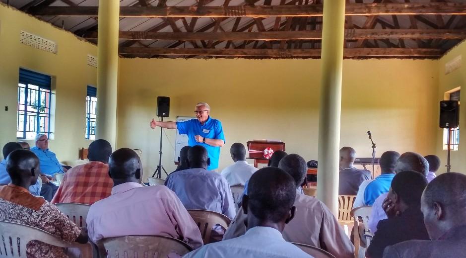 Pastor Ken Van De Griend teaching