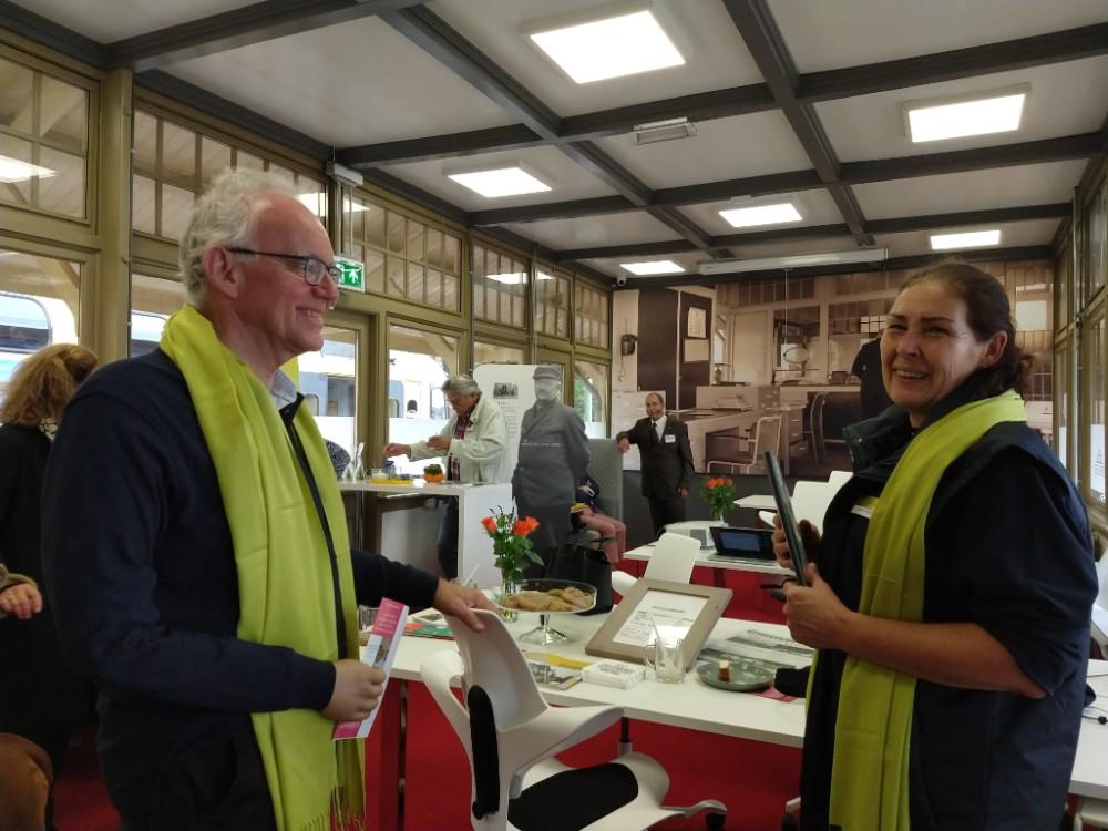 Frank Bakx (links) en Christel Grobbee, beiden van het Gilde in DenDolderCS (foto: Petra Koek)