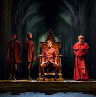 Image: Production still from Henry V (2015), dir. Gregory Doran, Royal Shakespeare Company. Photo by Keith Pattison © RSC.