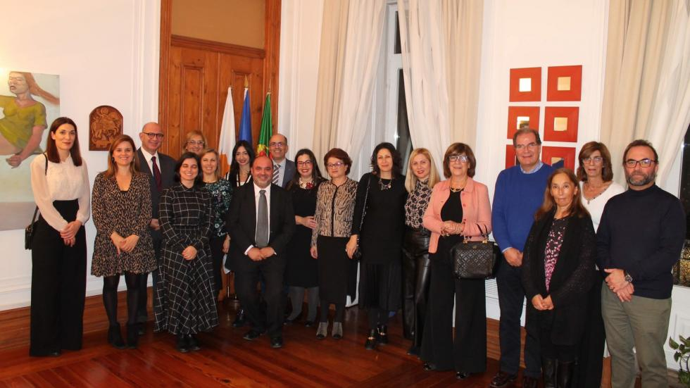 Members of the Cypriot and Portuguese delegations posing for a photo