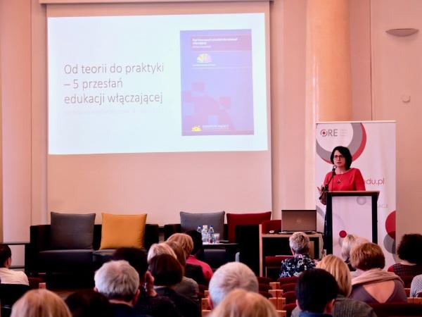 Ms Elżbieta Neroj giving a presentation