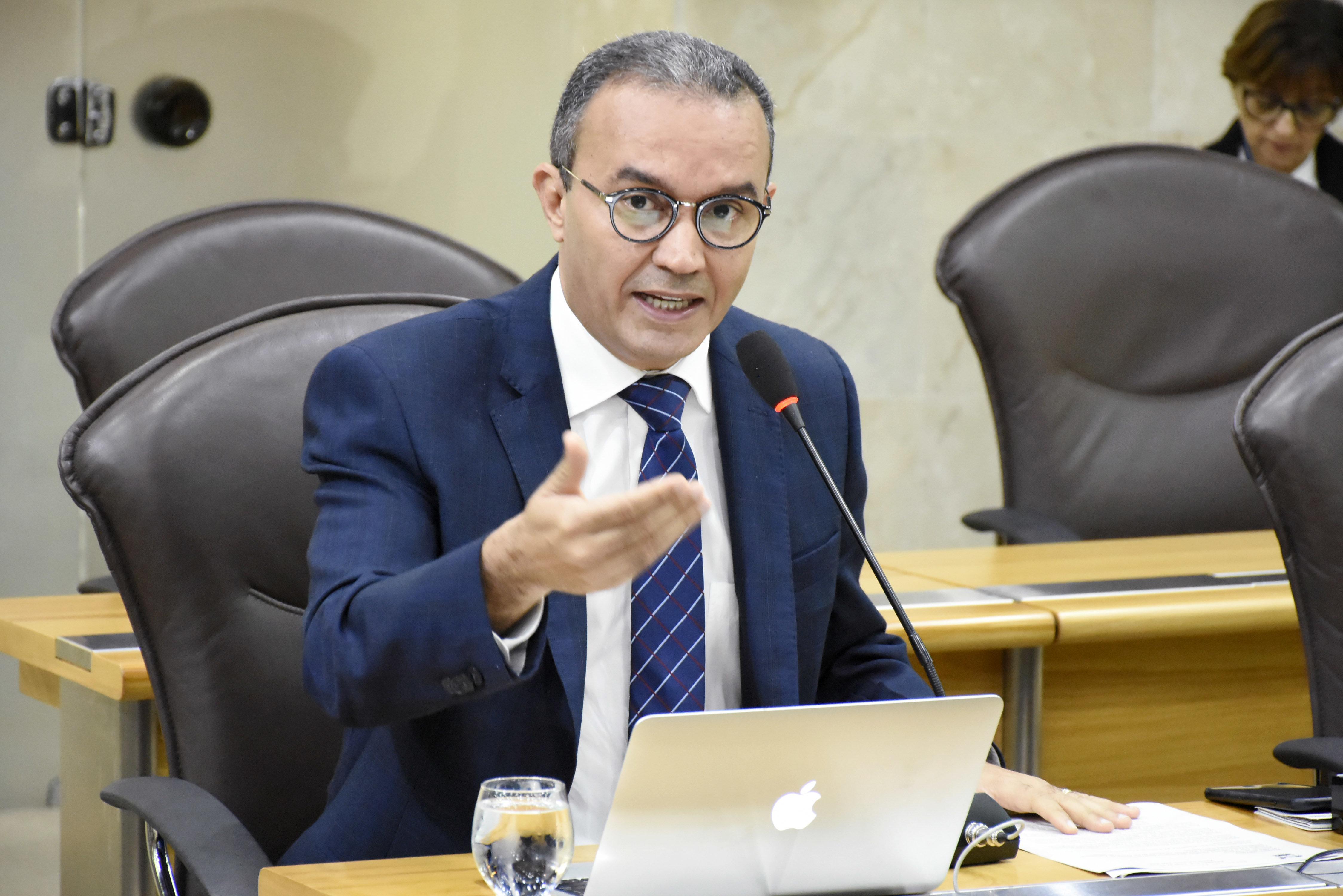 Lei aprovada na Assembleia é elogiada por especialista na Folha de São Paulo