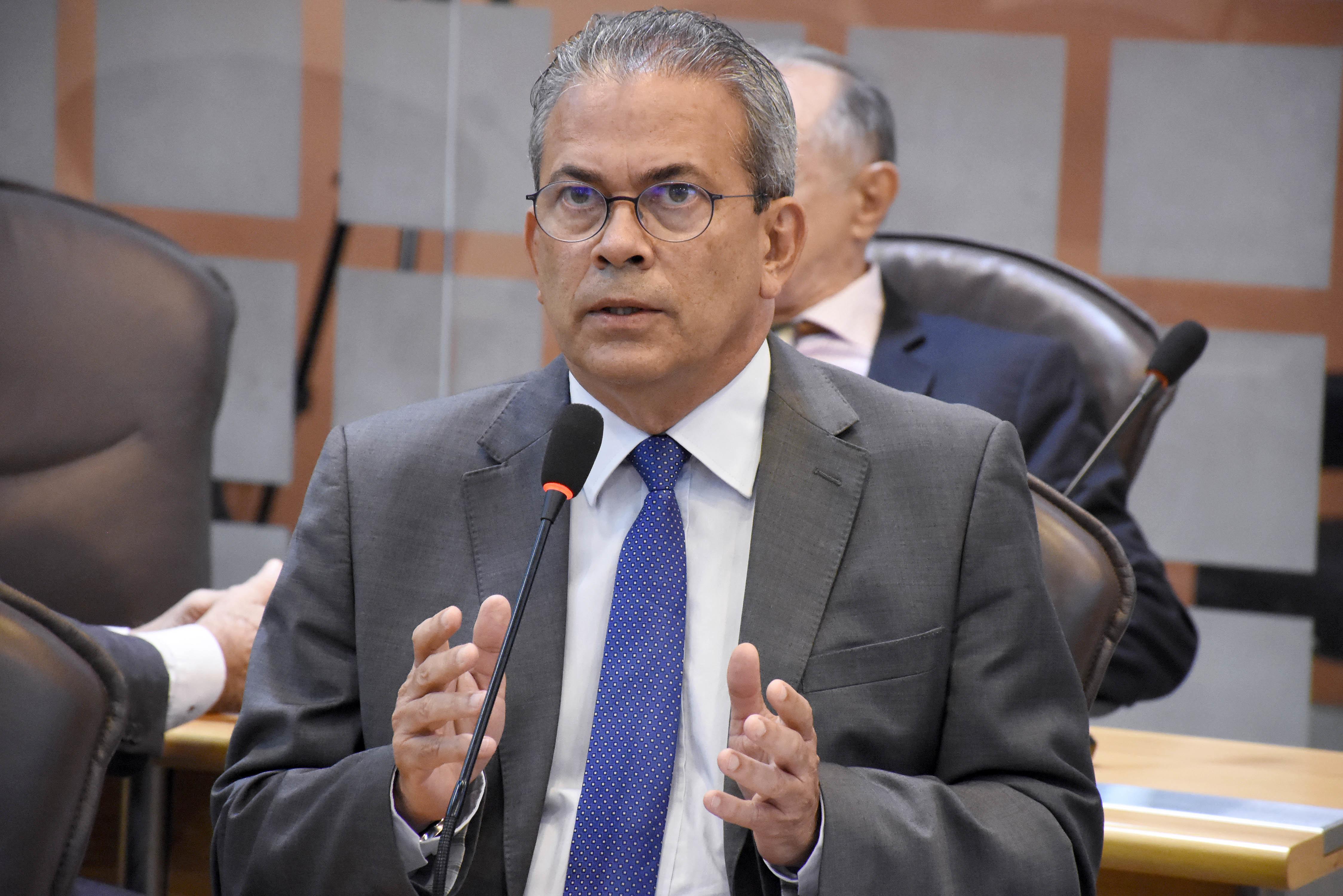 Hermano Morais requer regularização do pagamento do Programa do Leite