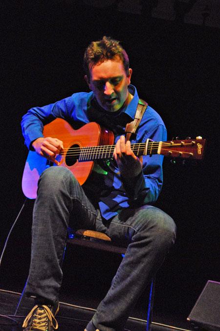 clive carroll guitarist