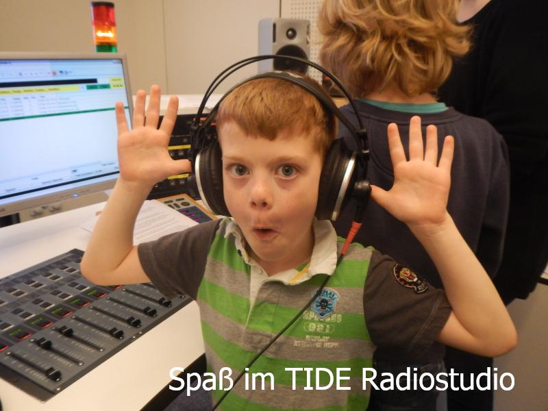 Im TIDE-Studio: Radiokurs Louise-Schroeder-Schule