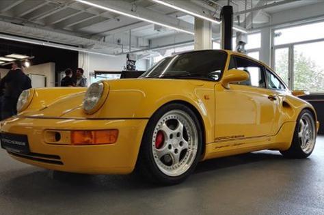 Porsche 911 Turbo S Leichtbau (964)